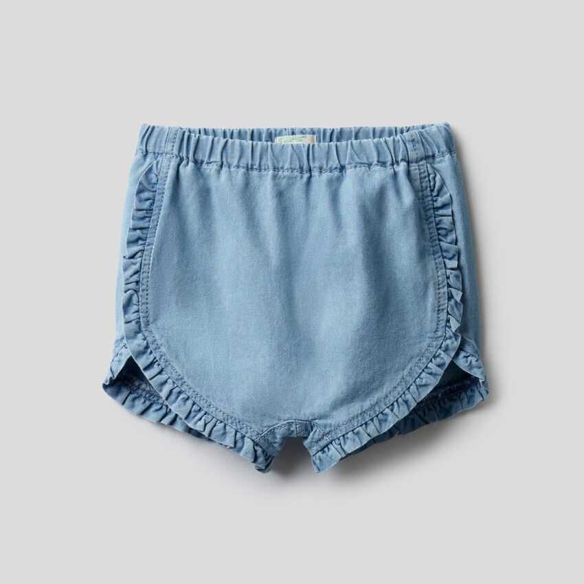 Shorts mit Rüschen