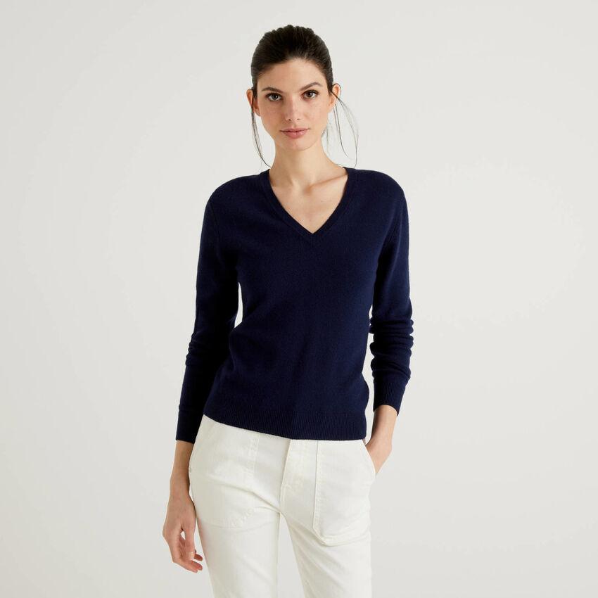 Pullover mit V-Ausschnitt aus reiner Schurwolle