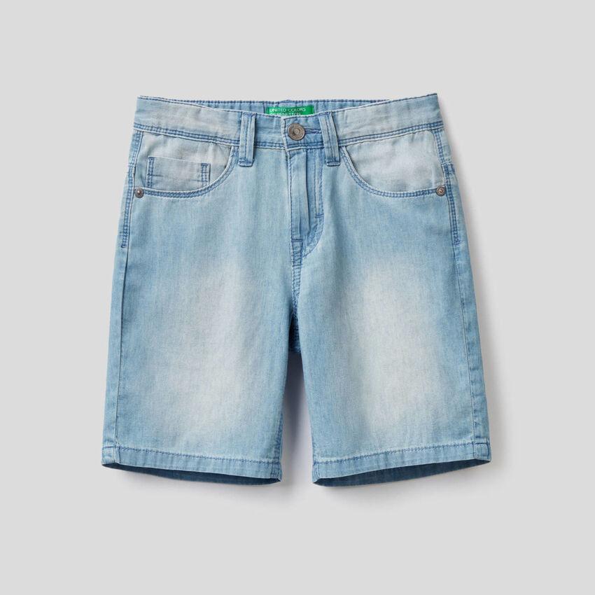 Bermuda aus leichtem Jeansstoff