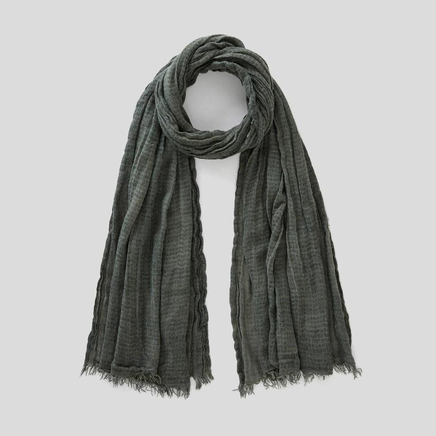 Schal aus gekräuseltem Stoff