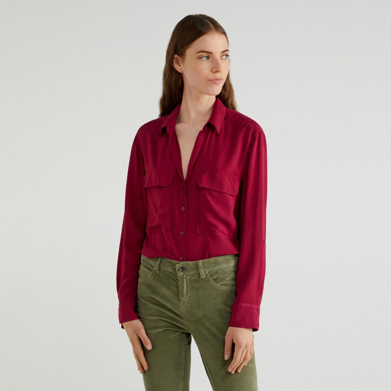Fließende Bluse mit Taschen