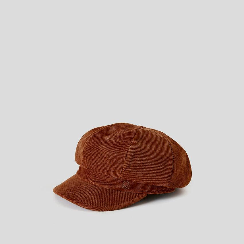 Baskenmütze mit Schild aus Cordstoff