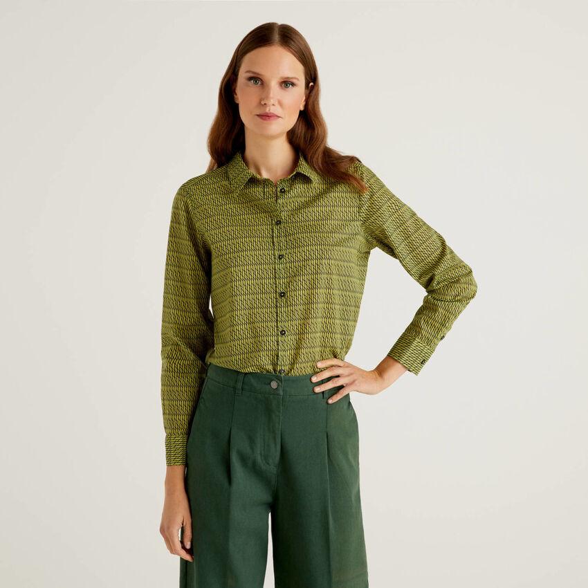 Grüne Slim-Fit-Bluse in 100% Baumwolle mit Muster