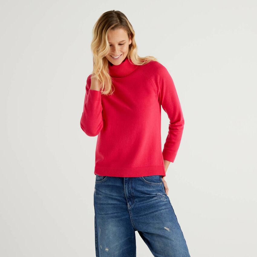 Fuchsiafarbener Rollkragenpullover in einer Mischung aus Wolle und Cashmere