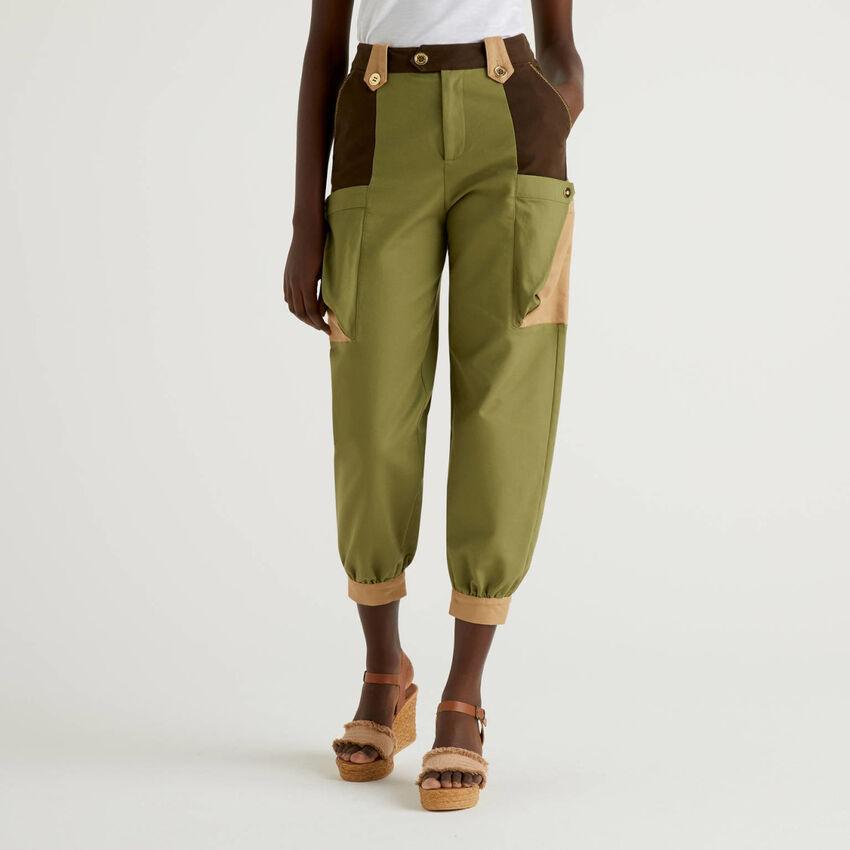 Cropped-Hose mit Maxi-Taschen