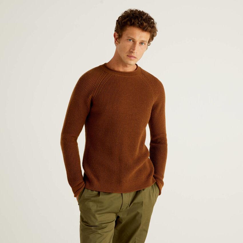 Gerippter Pullover aus einer Wollmischung