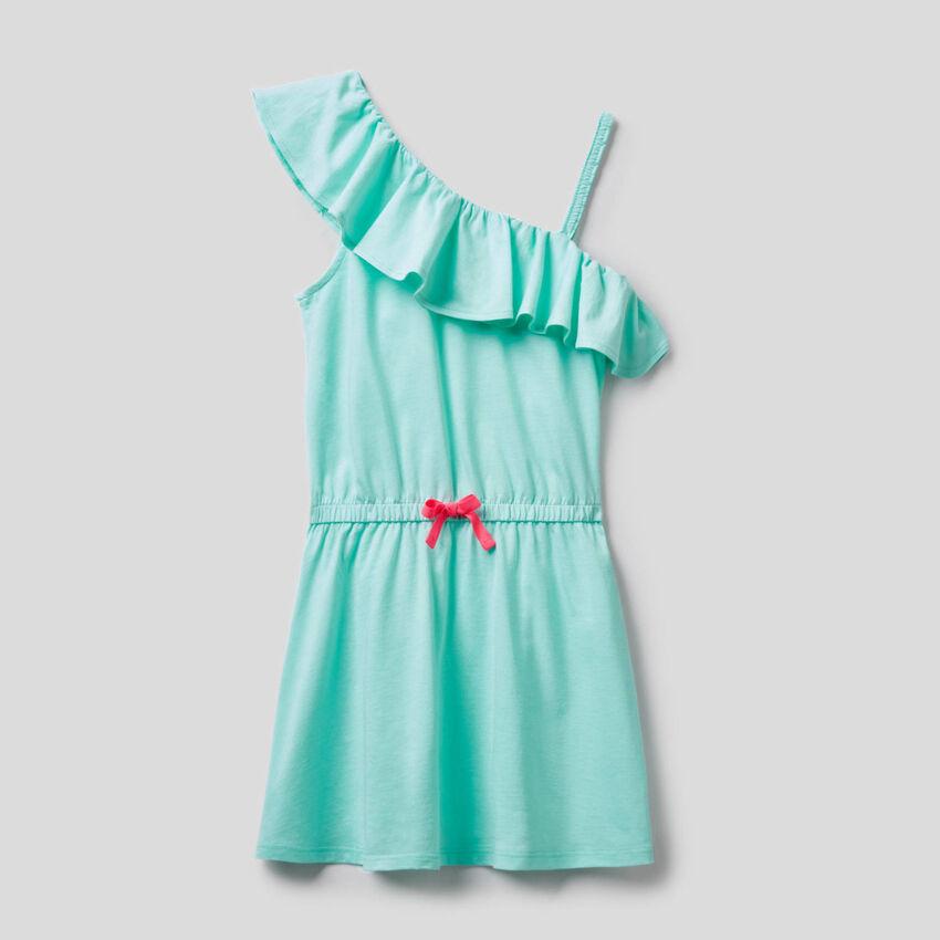 Ein-Schulter-Kleidchen mit Volants