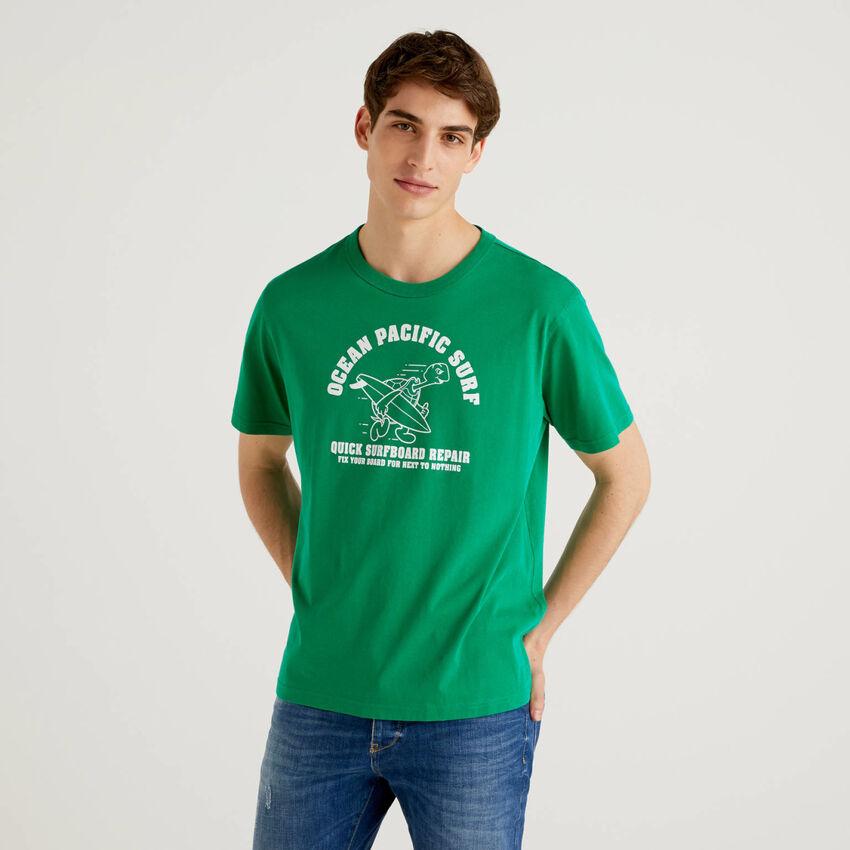 Grünes T-Shirt aus 100% Baumwolle mit Print