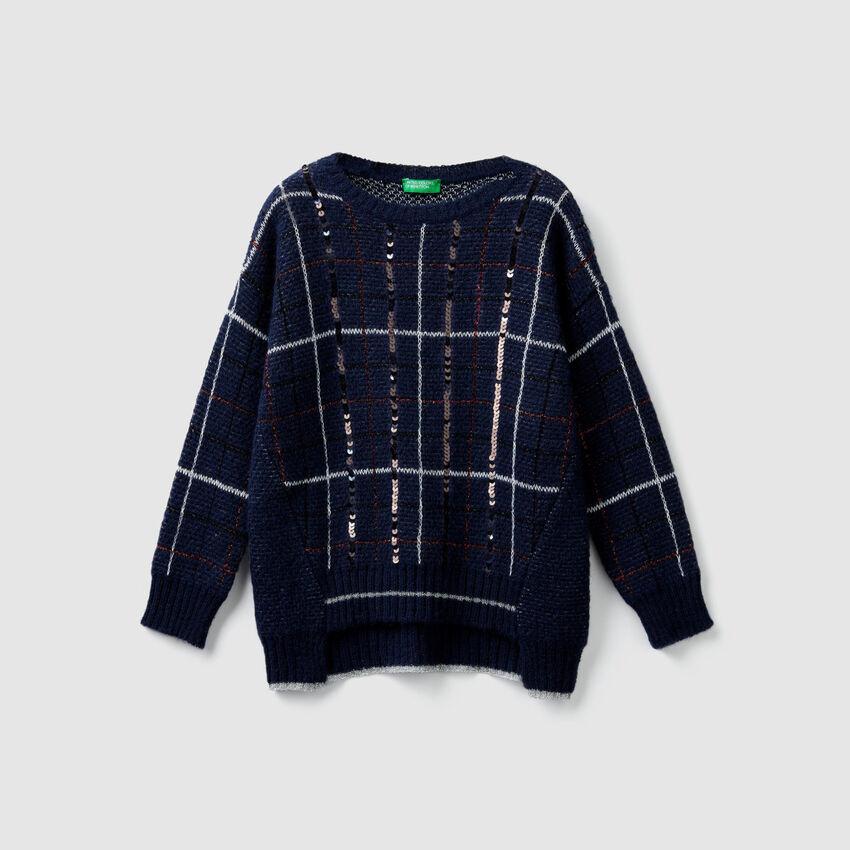 Pullover im Karomuster mit Pailletten