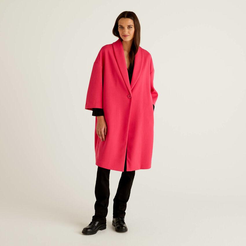 Einfarbiger Mantel mit Schalkragen
