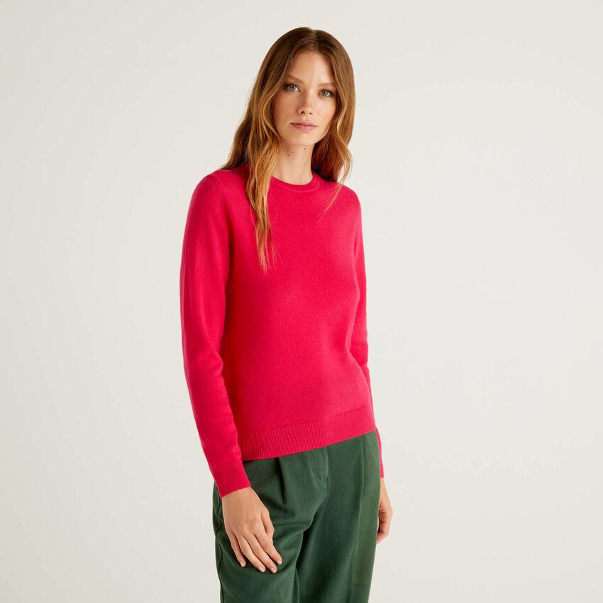 Pullover aus reiner Schurwolle in Fuchsia mit Rundausschnitt