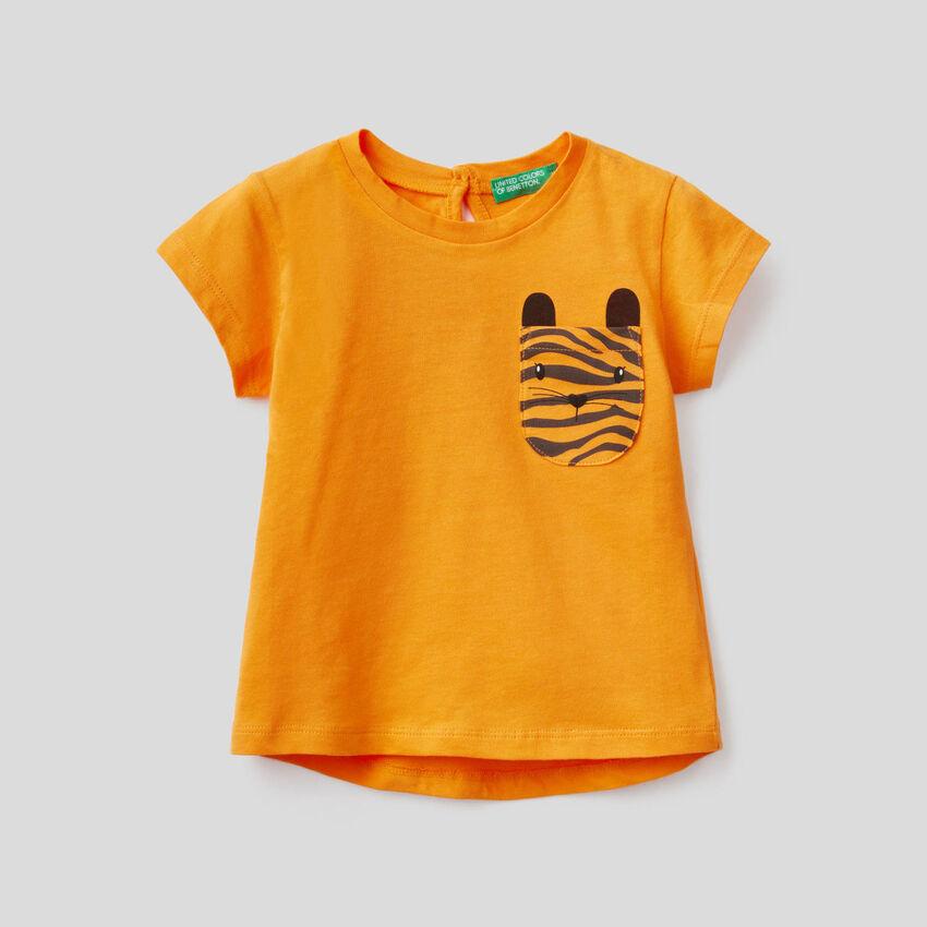 T-Shirt aus Baumwolle mit aufgedruckter Tasche