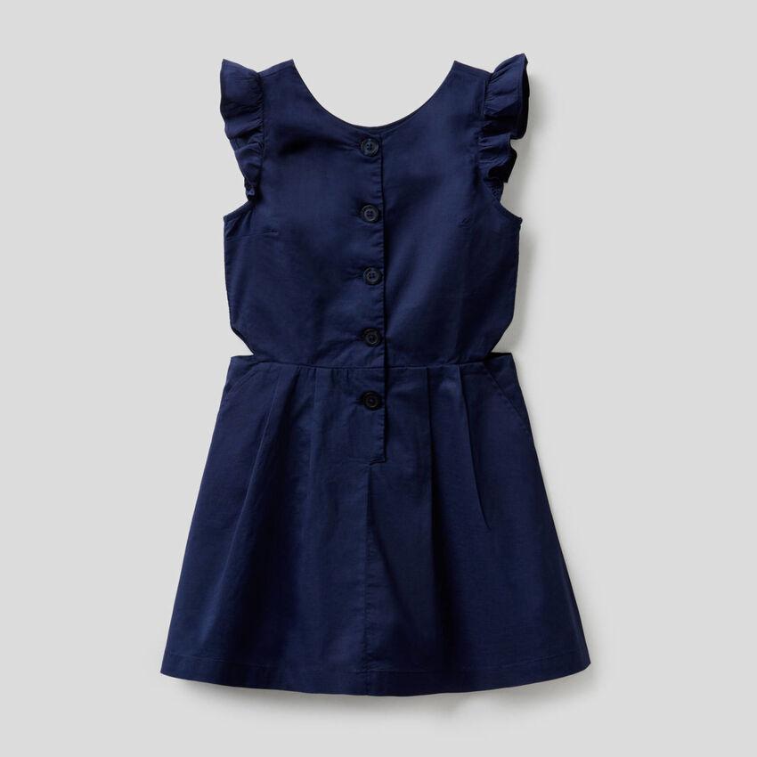 Ausgestelltes Kleid aus 100% Baumwolle