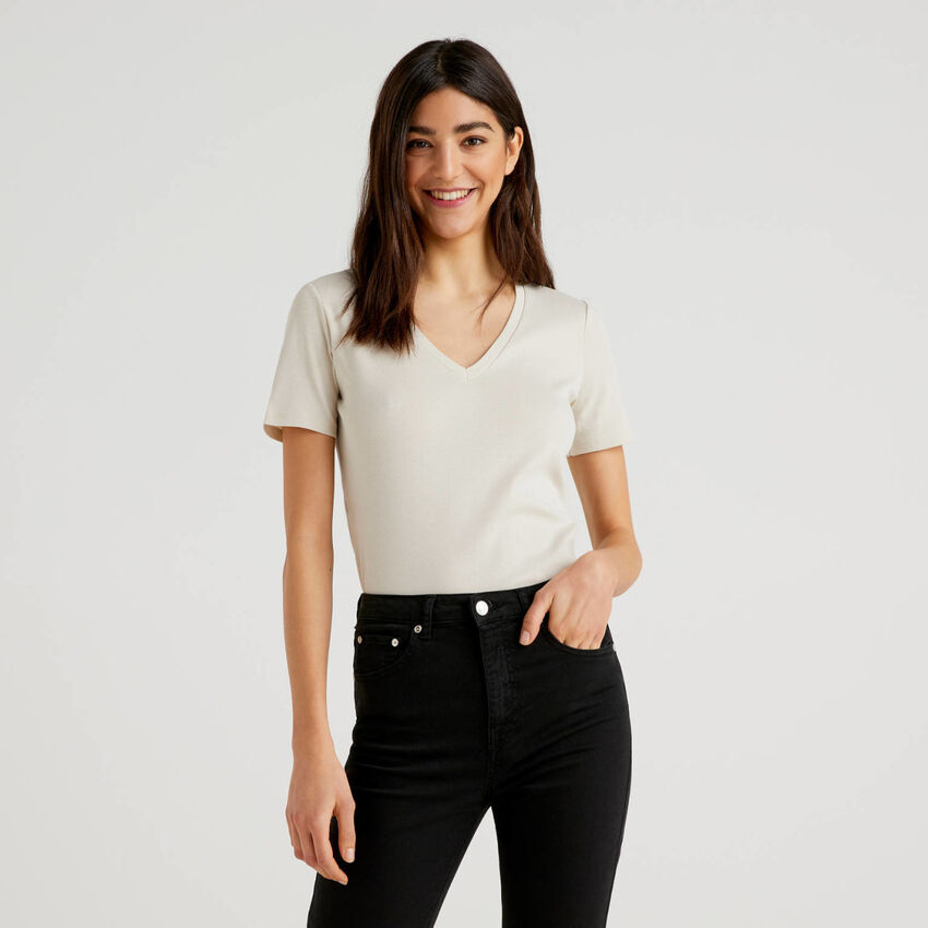 T-Shirt aus reiner Baumwolle mit V-Ausschnitt