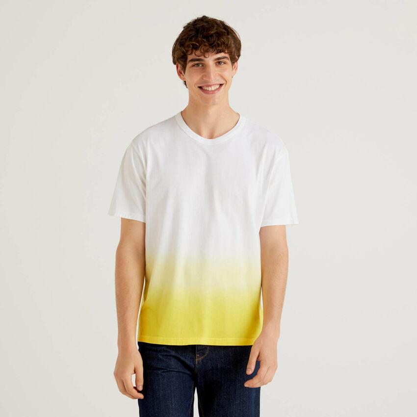 T-Shirt aus 100% Baumwolle mit Degradé-Effekt