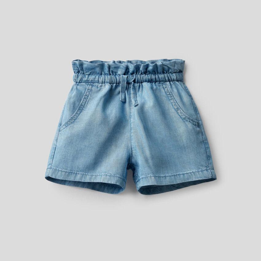 Shorts aus leichtem Jeansstoff mit hohem Bund