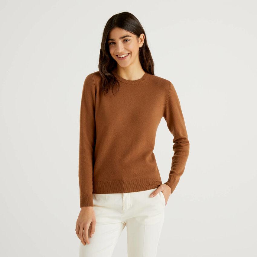 Brauner Pullover aus reiner Schurwolle mit Rundausschnitt
