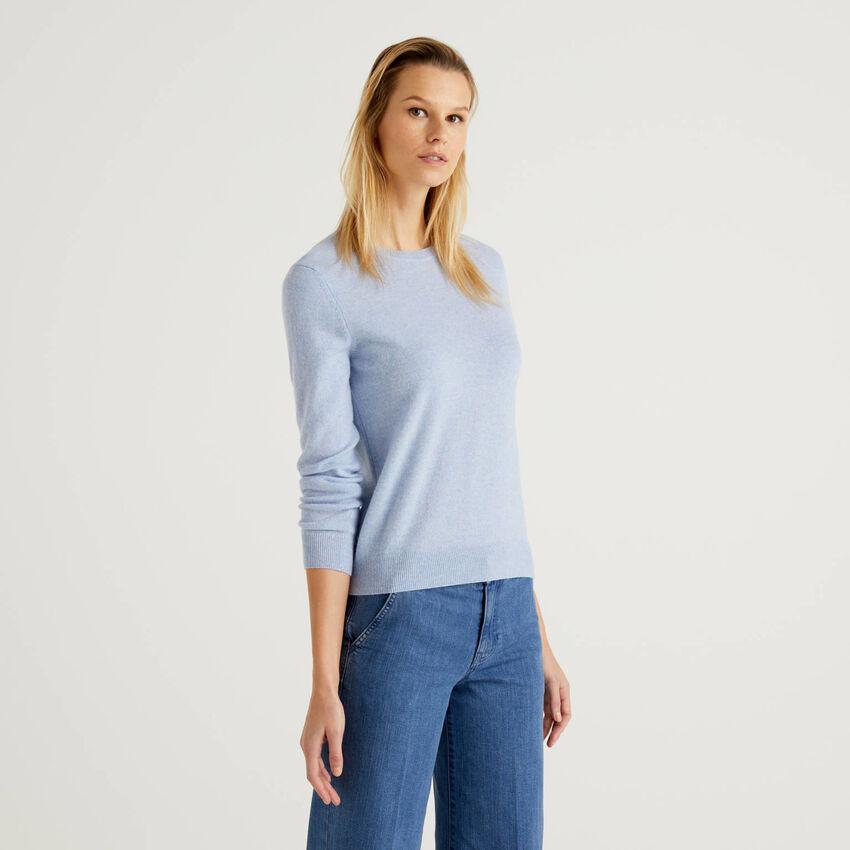Hellblauer Pullover aus reiner Schurwolle mit Rundausschnitt