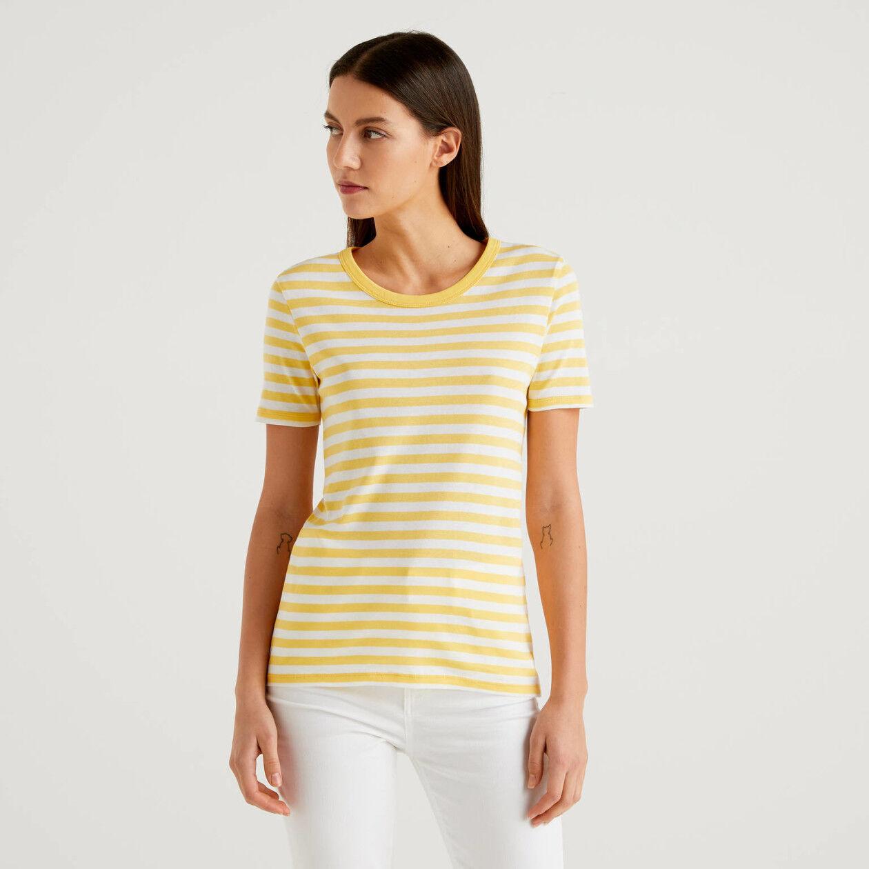 Gestreiftes T-Shirt mit kurzen Ärmeln