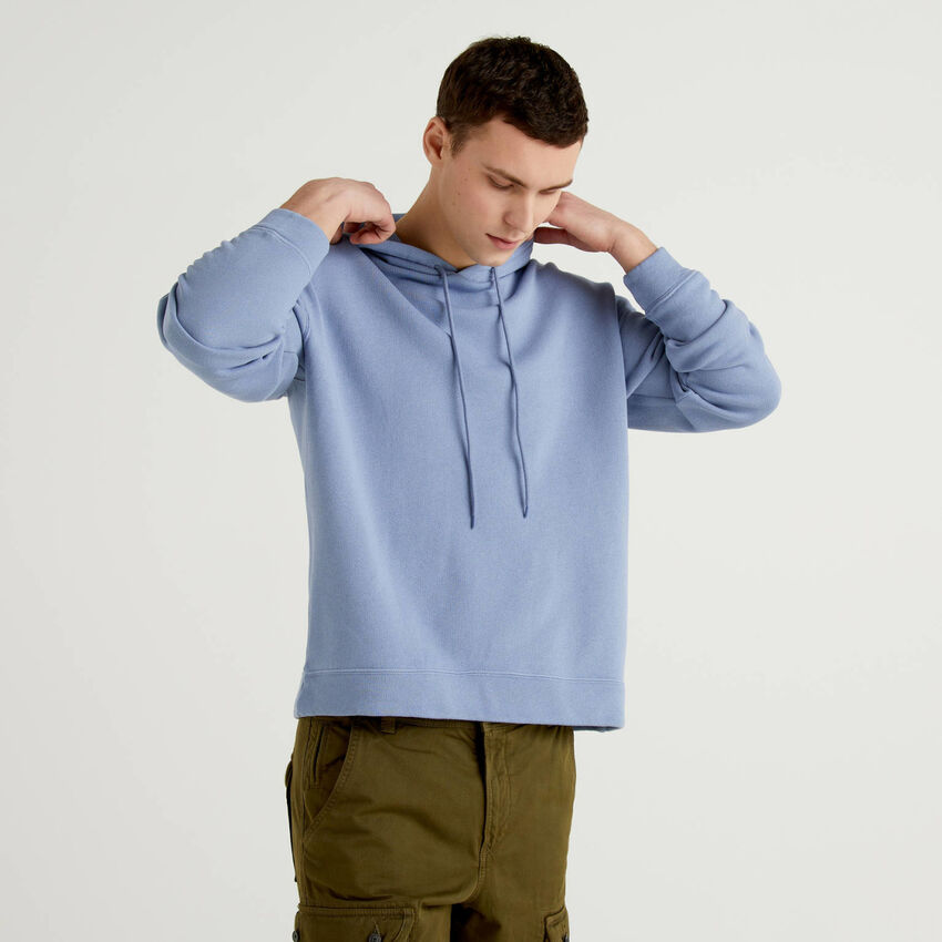 Sweatshirt aus 100% Baumwolle mit Kapuze