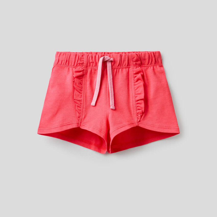Shorts aus 100% Baumwolle mit Rüschen
