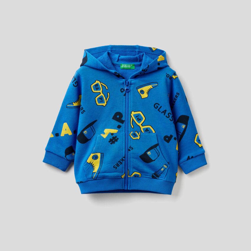 Gemustertes Sweatshirt mit Reißverschluss und Kapuze