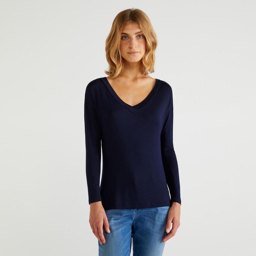 Fließendes T-Shirt mit langen Ärmeln