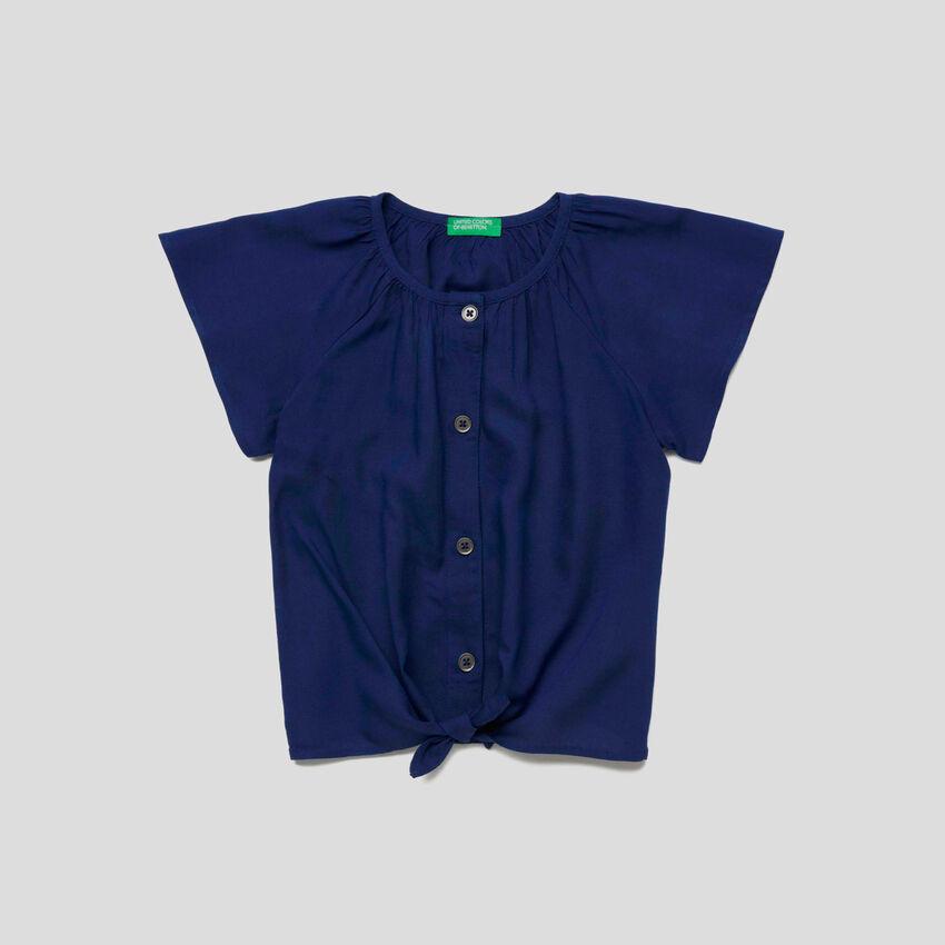 Bluse mit kurzen Ärmeln und Bändern