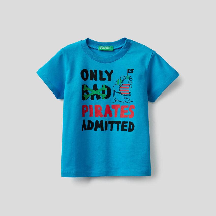 T-Shirt aus Baumwolle mit Piraten-Print