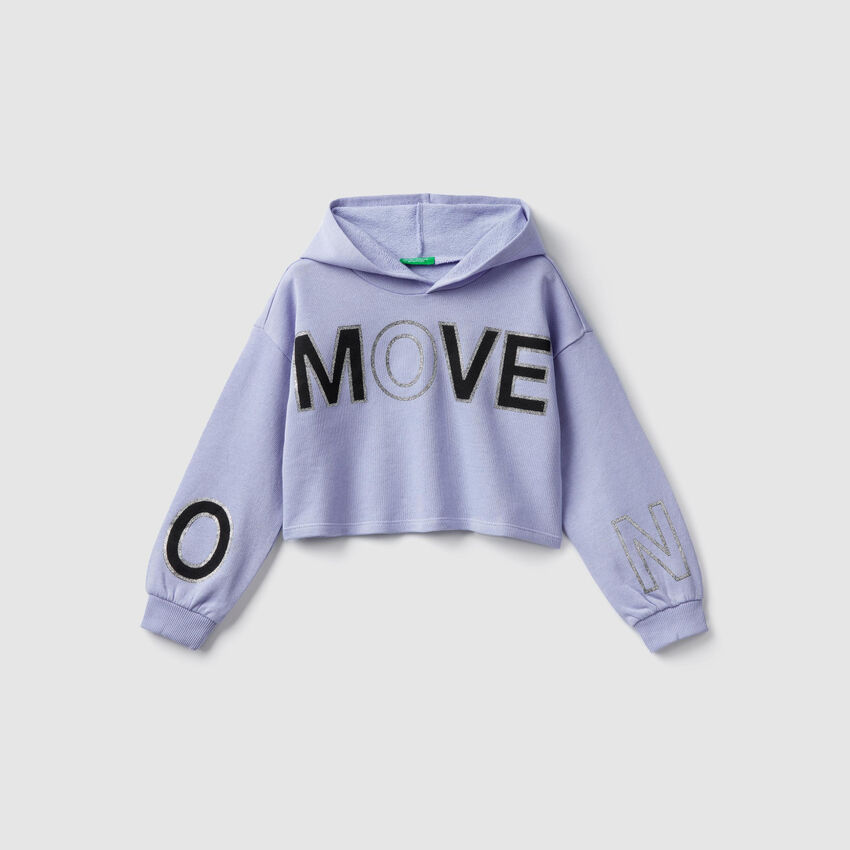 Kurzes Sweatshirt mit Kapuze