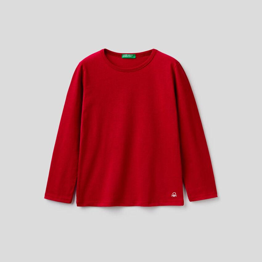 Rotes T-Shirt mit langen Ärmeln