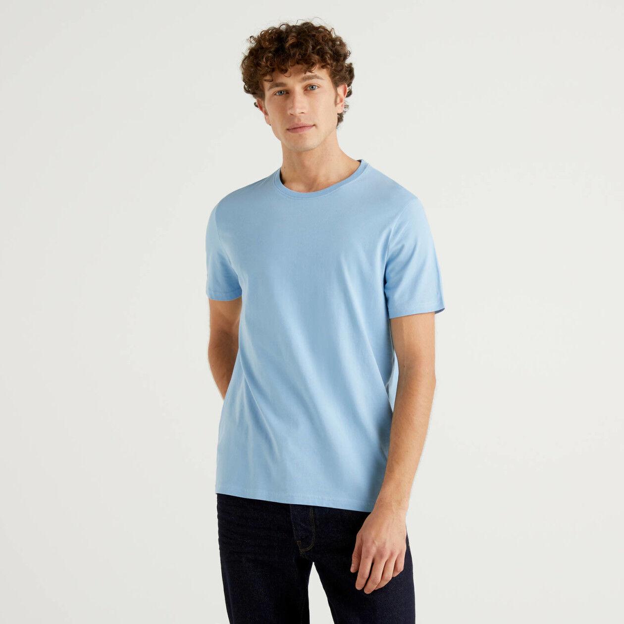 Hellblaues T-Shirt aus reiner Baumwolle