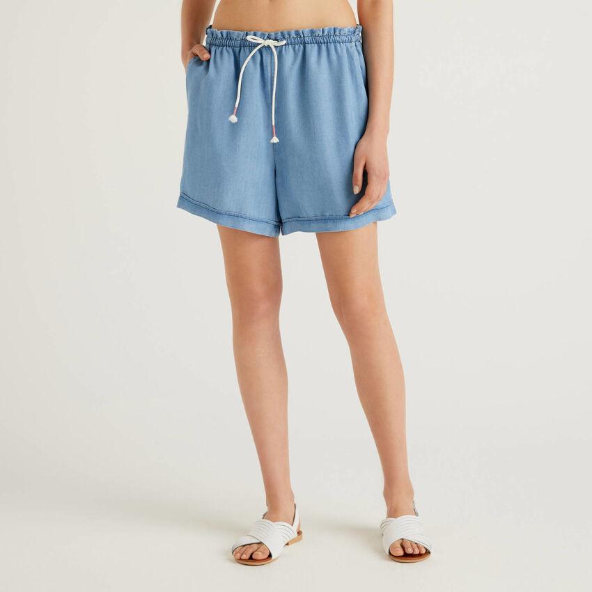 Fließende Shorts in Jeans-Effekt