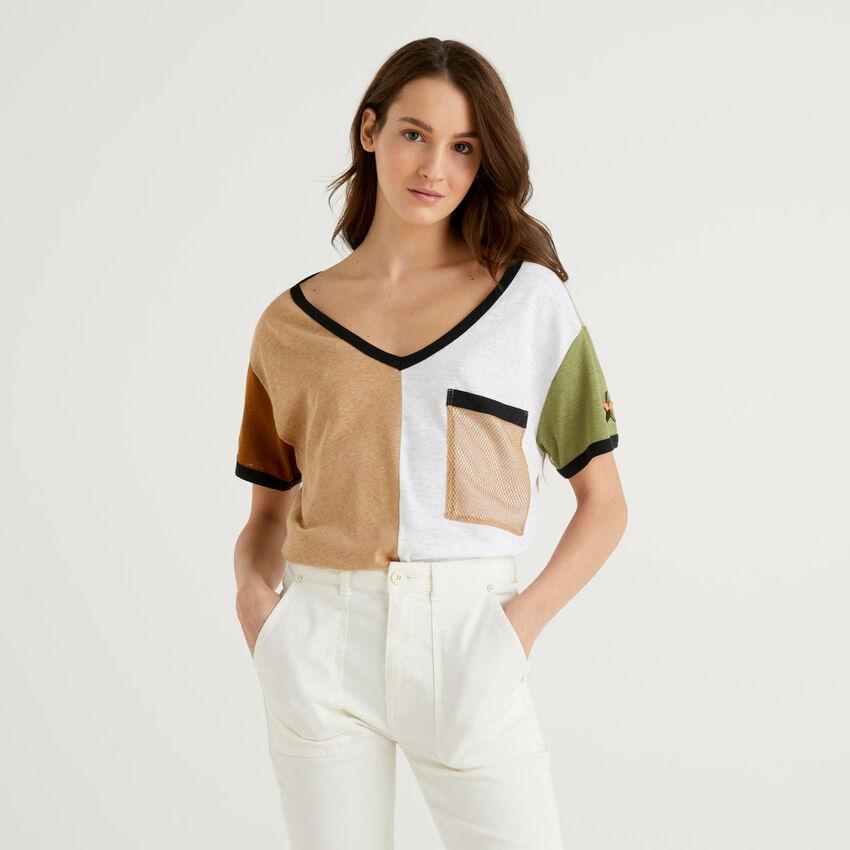 T-Shirt in einer Mischung aus Baumwolle und Leinen mit Farbblöcken