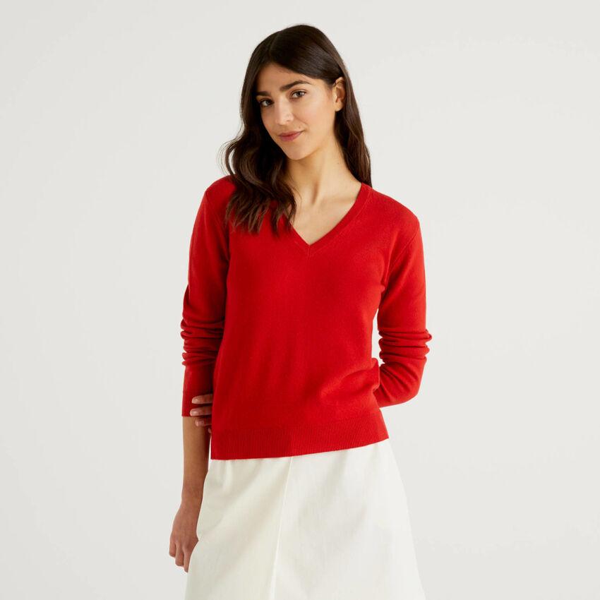 Roter Pullover mit V-Ausschnitt aus reiner Schurwolle