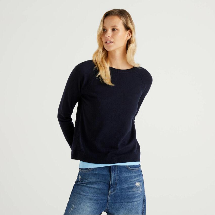 Dunkelblauer Pullover mit Rundausschnitt in einer Mischung aus Wolle und Cashmere