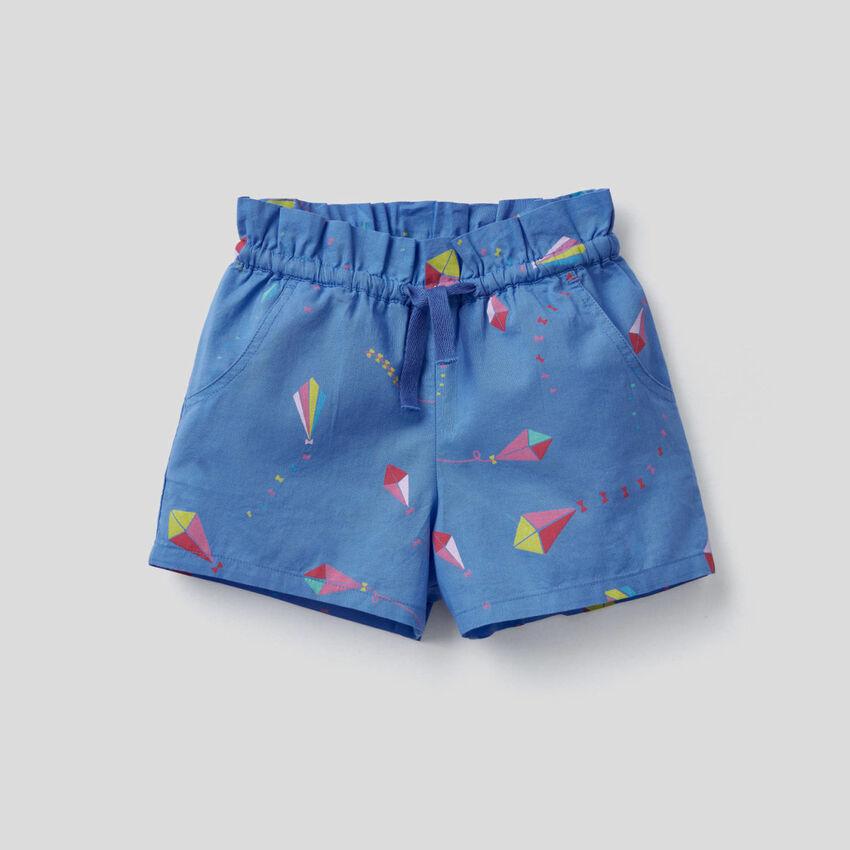 Shorts aus 100% Baumwolle mit Muster