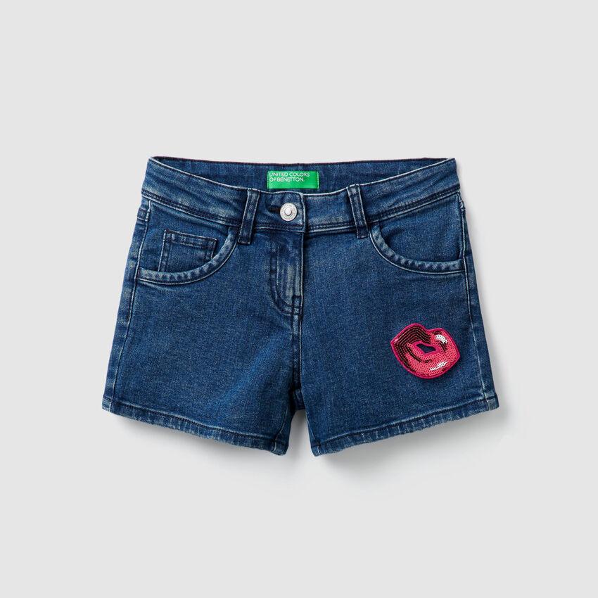 Shorts aus Denim mit Pailletten