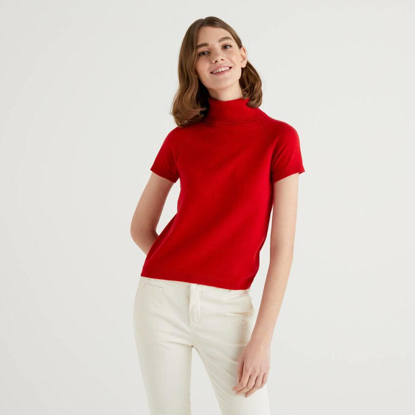 Roter Rollkragenpullover mit kurzen Ärmeln in einer Mischung aus Wolle und Cashmere