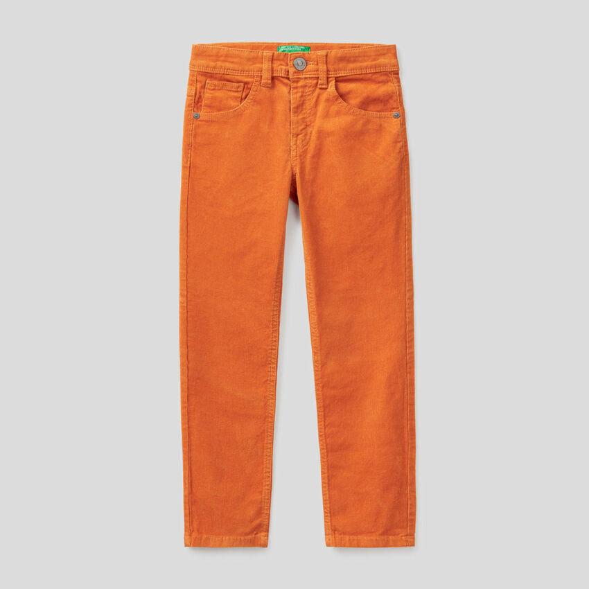 Slim-Fit-Hose aus stretchigem Samt