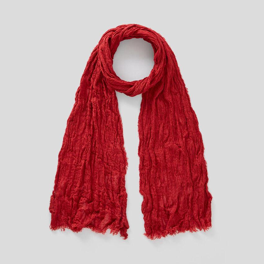 Schal mit Knitter-Effekt