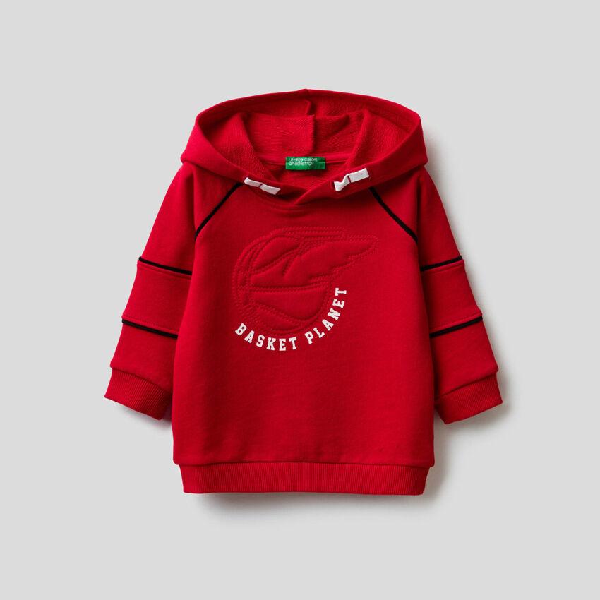 Sweatshirt mit Kapuze und 3D-Stickerei