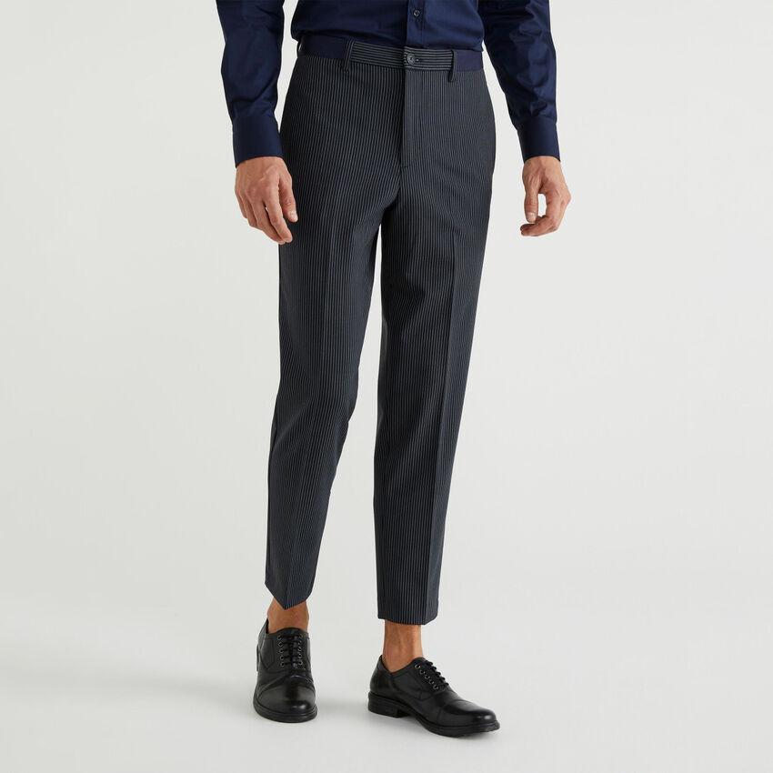 Hose aus luftigem Strick