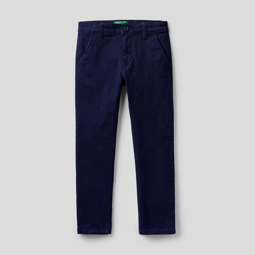 Hose im Slim Fit aus stretchiger Baumwolle