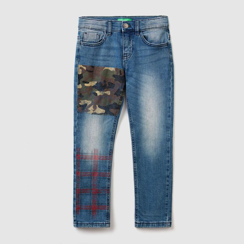 Slim Fit Jeans mit aufgedruckten Details