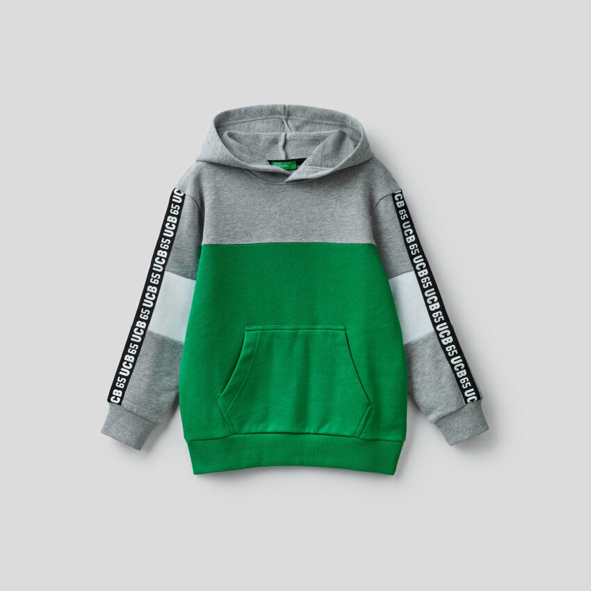 Sweatshirt mit Farbblöcken aus reiner Baumwolle
