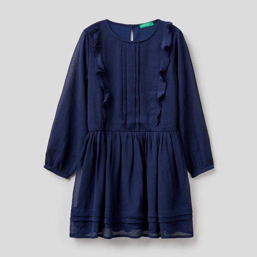 Elegantes Kleid mit Rüschen