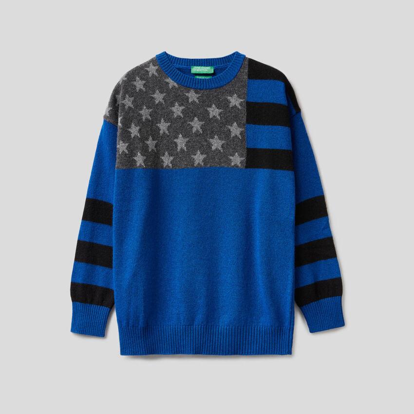 Pullover in Bluette mit Flagge im Intarsienmuster