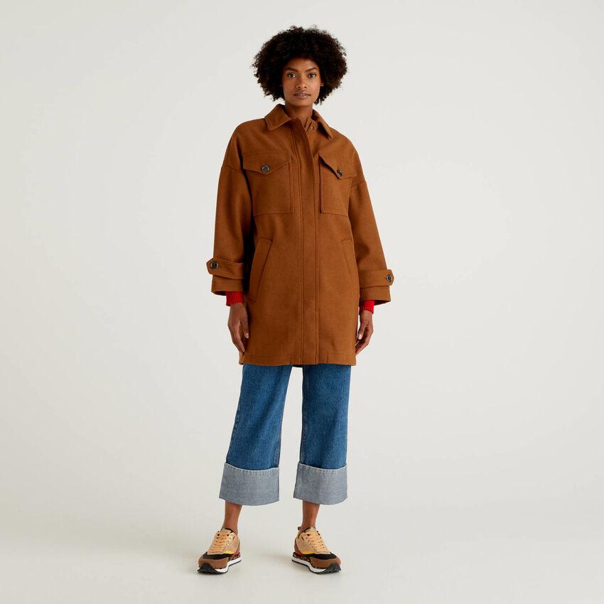Ungefütterter Mantel mit großen Taschen