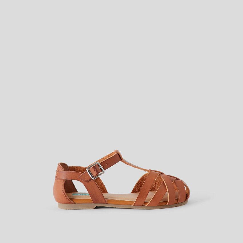 Sandalen mit geflochtenem Obermaterial